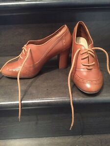 Souliers neufs hush puppies 5.5
