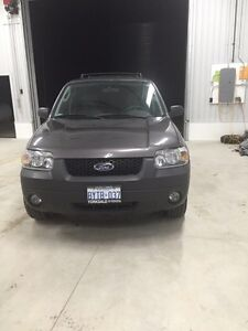 Need Gone 2006 Ford Escape XLT AWD