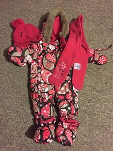 Brand New Gusti snow suit