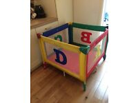 Play pen/travel cot