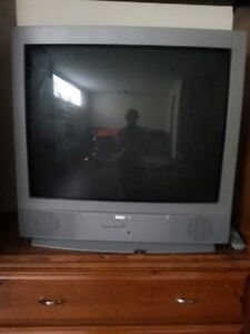 SANYO SOLID STATE TV VERY GOOD CONDITION- TO GO !
