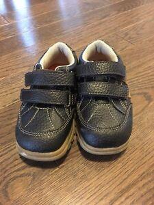 Toddler boys size 7 shoes- EUC- $10 Kitchener / Waterloo Kitchener Area image 2