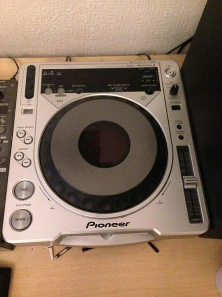 2 X Pioneer CDJ 800 MK2