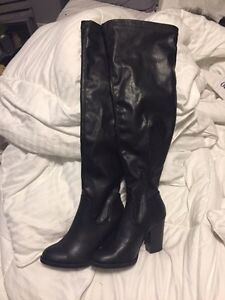 Size 6 leather over the knee boots  London Ontario image 3