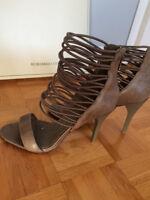 BCBG Shoes/Chaussures - never worn/jamais porté
