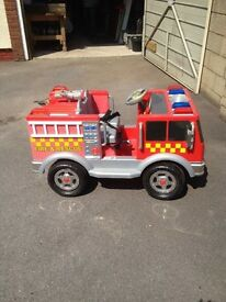 Kids battery-powered fire Engine