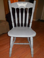 4 GREY RUSTIC LOOKING CHAIRS