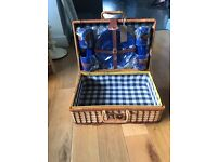 Picnic hamper set
