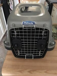 Petmate cat carrier, small