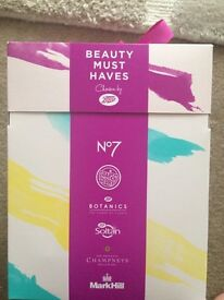 Beauty must haves box