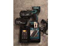 Makita DTW281 brushless impact wrench, charger and 5.0ah 3.0ah batteries 11month warranty left