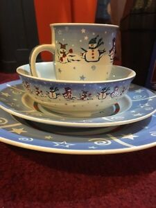 Christmas dish set  Kitchener / Waterloo Kitchener Area image 6