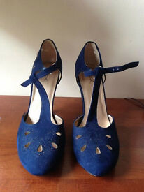 Navy Vintage Style Heels