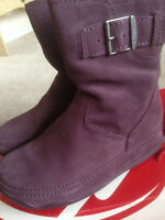 NIB LADIES FITFLOP BOOTS-PURPLE-SIZE 7