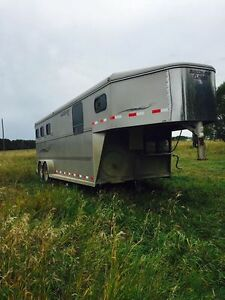 Southland 3 horse trailer with weekender