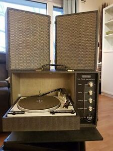 Antique tube record player Edmonton Edmonton Area image 1