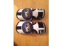 Hockey leg pads
