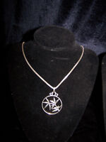 """GORGEOUS THICK """"925"""" SILVER CHAIN WITH """"FUNKY"""" PENDANT."""