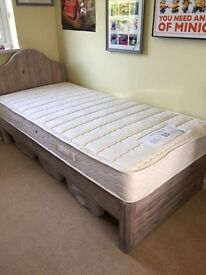 Loaf bed and sealy mattress single never used.