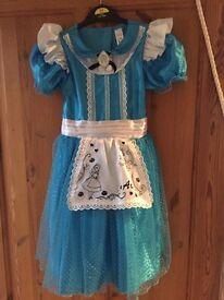 Alice in wonderland age 5-6