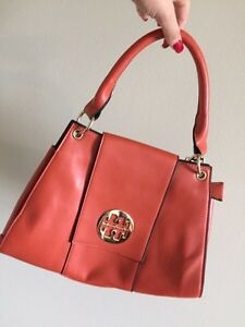Tory burch clutch London Ontario image 1