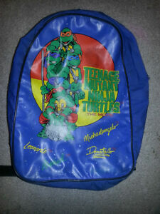30 YEAR OLD VINTAGE NINJA TURTLES BACK PACK ONLY 19$ London Ontario image 1