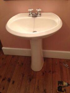 Toilet & Pedestal Sink