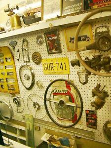 Plus de 2  000  000  de pieces nos and usagées 1910-1970