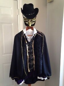 5 piece male masquerade costume