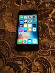 iPhone 5S 16 gb space grey Rogers mint