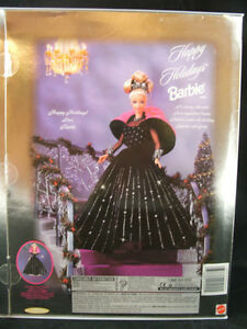 Happy Holiday Barbie 1998   COLLECTABLE  MINT CONDITION London Ontario image 4