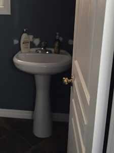 Pedestal sink and faucet Kitchener / Waterloo Kitchener Area image 1