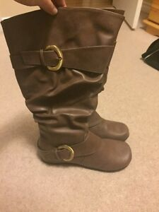 REDUCED! Brown Hilton Boots - Wide Calf NEVER OPENED