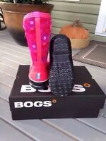 *SOLD*  Girls BOGS Size 4