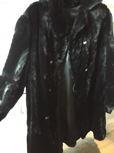 Gorgeous & Warm Black Real Sheared Beaver Car Coat MUST SELL! London Ontario image 7