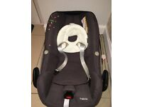 Maxi cosi pebble, waterproof cover and family fix base