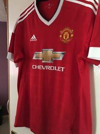 Manchester United Shirt Large 2015/16