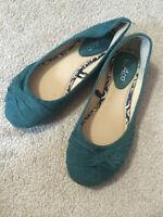 >> Turquoise Fabric Flats << Size 6/7