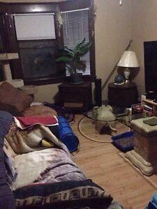1 bedroom upper duplex utilities included