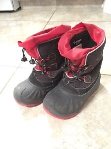 Boys winter boots - Size 12