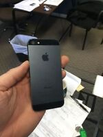 iphone 5 16gb Rogers (box, accesories, case earpods, charger)