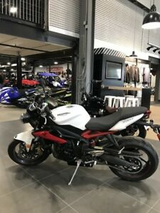 2016 Triumph Street Triple R ABS Crystal White