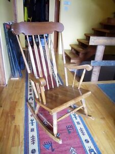 Rocking chair / fauteuil a bascule