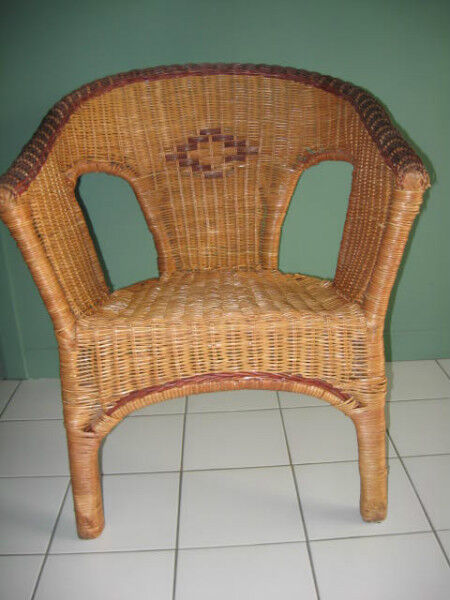Chaise en rotin chaises fauteuils inclinables ville for Meuble rotin montreal