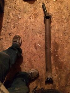 99-07 Chev 1/2 Ton Front Drive Shaft Want Gone Today Moving!