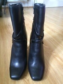 Next boots size 5.5