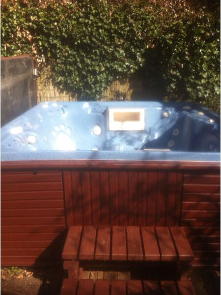 spa form spaform hot tub 7 seater very good condition including
