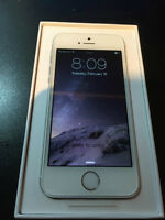 BRAND NEW Gold iPhone 5S 16GB (FULL 1 YEAR WARRANTY)