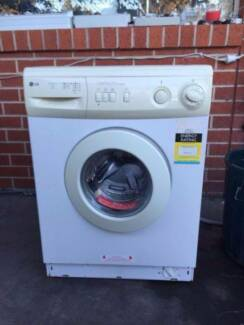 great working 5 kg LG front washing machine , can delivery at ext