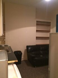 One bed self contained flat to let